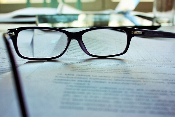 What should be included in a contract of employment?